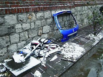 接到章丘市明水王家寨村汽车爆炸发生的报警后